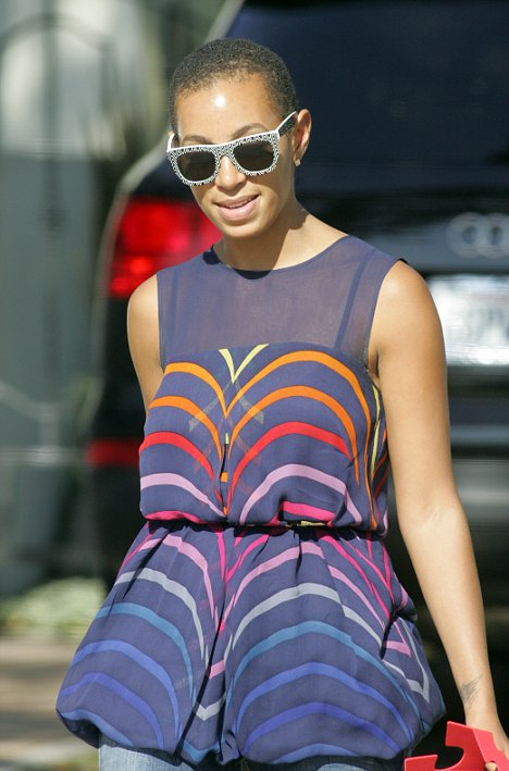 Solange Knowles goes for the Britney Spears cut